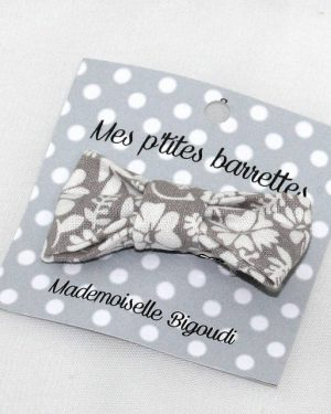 Mes petites barrettes de Mademoiselle Bigoudi/ pince crocodile fleurs grise