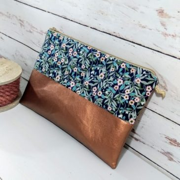 Brighton and Blossom pochette made in France