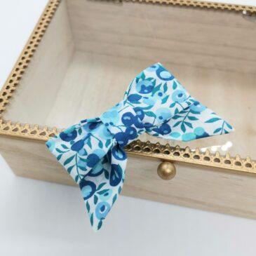 Barrette modèle «luxe» en Liberty Wiltshire Crystal Blue